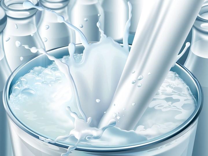 Crash Test τιμών για το γάλα - Πόσο κοστίζει εδώ και έξω
