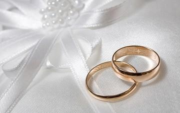 Η αγγελία που τα σπάει: «ζητείται… νύφη για κάλυψη τεκμηρίων»