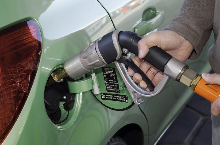 Έρχεται το φθηνότερο καύσιμο στα ΙΧ - πώς θα το εκμεταλλευτείτε