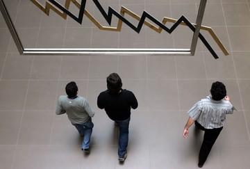 Εισηγμένες: Η σχέση μεταξύ κερδοφόρων και  ζημιογόνων