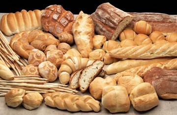 Φρέσκο το ψωμί του Αγίου Πνεύματος