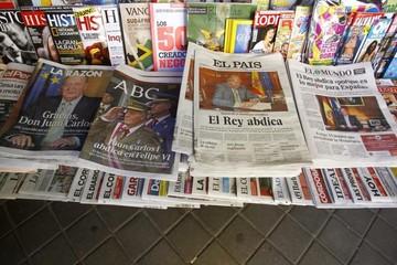 Τα χρέη πνίγουν τις ισπανικές εφημερίδες και υποκύπτουν στον Ραχόι