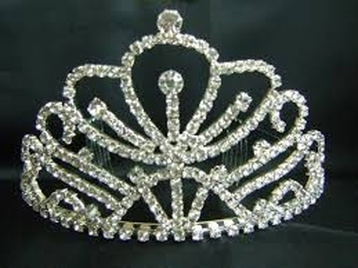 Υπέρ της μοναρχίας τάσσονται οι Ισπανοί