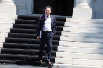 Ο Ελληνας υπουργός που έκανε πέντε φορές τον γύρο της...γης