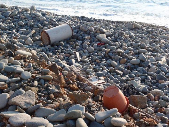 Οι μισές παραλίες της Αττικής κρίνονται ακατάλληλες. Δείτε ποιες