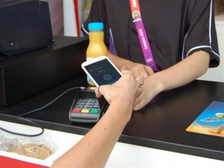 Deal τραπεζών, εταιρειών κινητής φέρνουν τα «πορτοφόλια-κινητά»