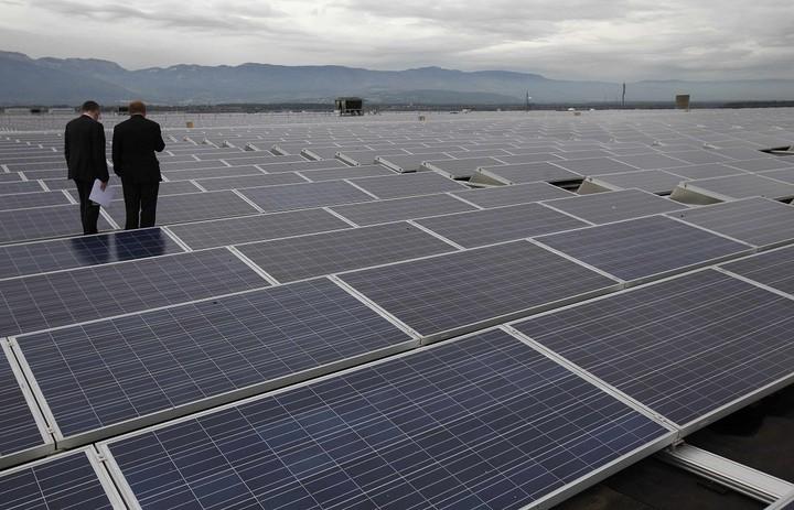 Μεγάλη απάτη με βιτρίνα την κατασκευή φωτοβολταϊκών πάρκων