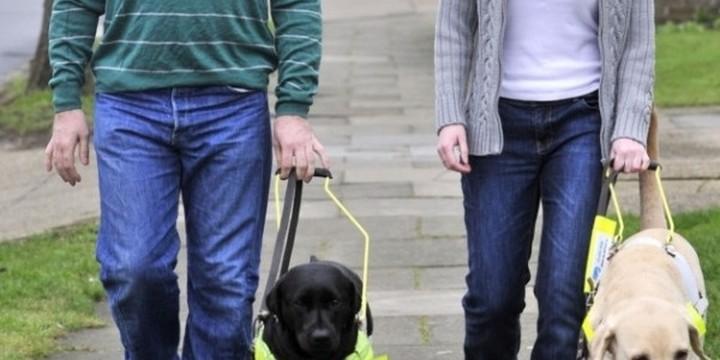 «Εξυπνα» ρούχα βοηθούν τους τυφλούς να περπατούν