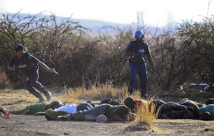 Σπρέι πιπεριού και πλαστικές σφαίρες από αέρος... διά χειρός Νοτιοαφρικανών