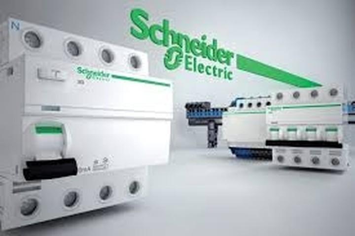 Schneider – Electric: Ανακοίνωσε την απόλυση του 30% των εργατών παραγωγής
