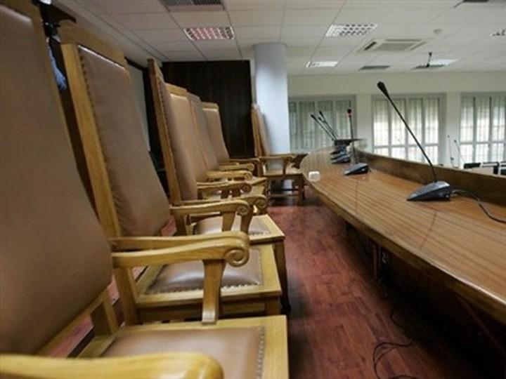 Οι εισαγγελείς για την επιστροφή των περικοπών των αποδοχών τους