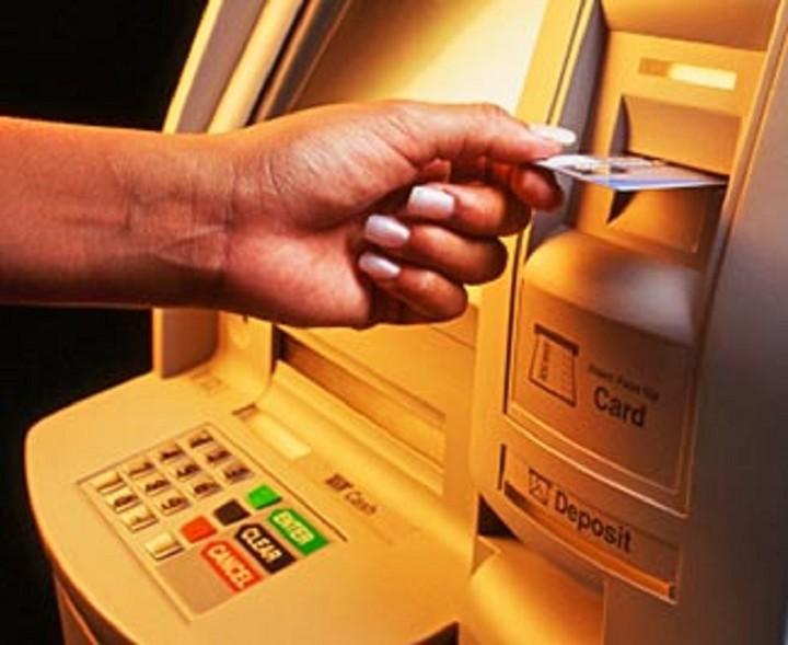Σήμα κινδύνου στις τράπεζες από την κατάρρευση των ακινήτων