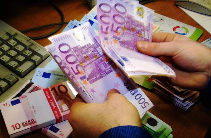 ΔΝΤ: Σήμα κινδύνου για τα κόκκινα δάνεια στην Ελλάδα