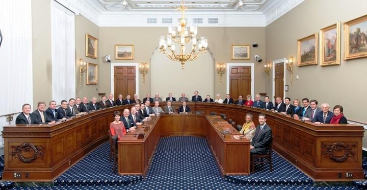 Αποκάλυψη: Μόνιμη Επιτροπή της τρόικας θα ελέγχει την πορεία της οικονομίας