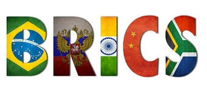 Bloomberg: Οι BRICS ιδρύουν αναπτυξιακή τράπεζα και αποθεματικό ταμείο