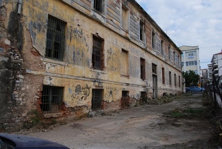 """Αξιοποίηση ή """"απόσυρση"""" εγκαταλελειμμένων, ετοιμόρροπων κτιρίων"""