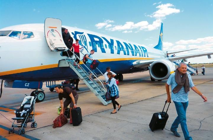 Ryanair: Εκπτώσεις έως και 50% στις οικογενειακές κρατήσεις εισιτηρίων