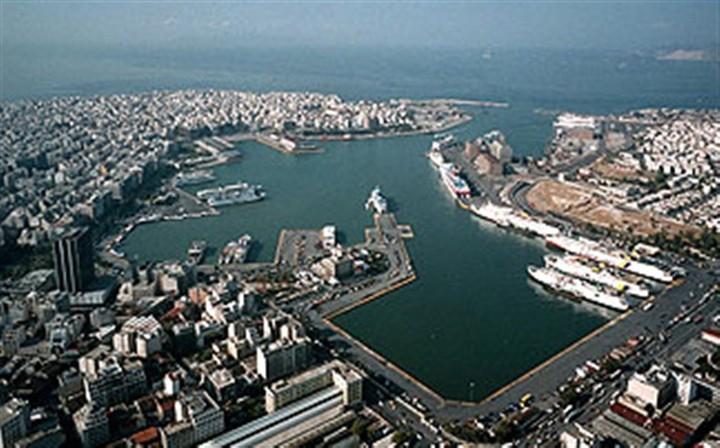 Απεργιακές κινητοποιήσεις στις εγκαταστάσεις της Cosco στον Πειραιά