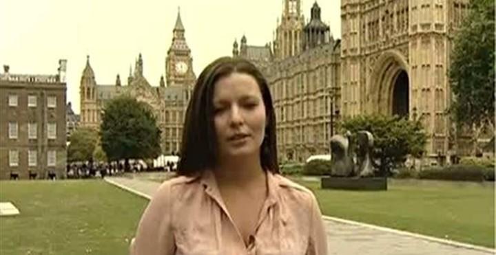 """Δημοσιογράφος του RT παραιτήθηκε καταγγέλλοντας τα """"ψεύδη"""" του καναλιού"""