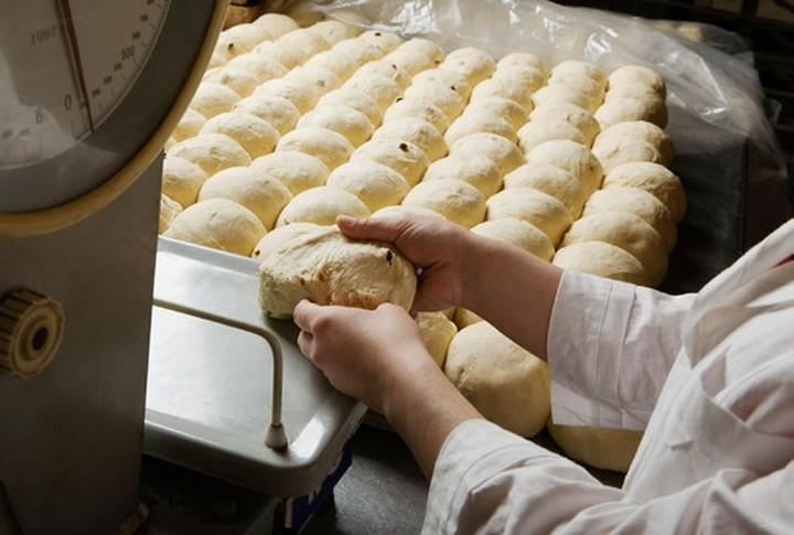 Ξεκινούν οι έλεγχοι στα αρτοποιεία για το ζύγισμα του ψωμιού
