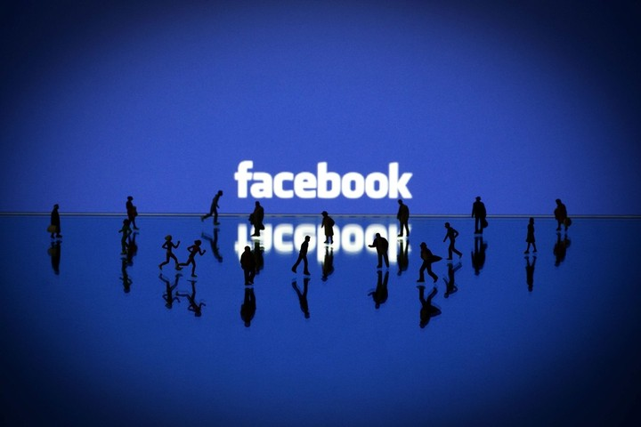 Shopping Therapy και με το Facebook