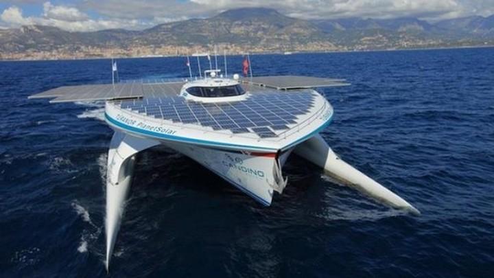 Στην Κόρινθο το μεγαλύτερο σκάφος στον κόσμο που κινείται με ηλιακή ενέργεια