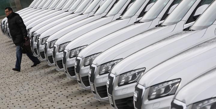 Παγώνουν και οι μεταβιβάσεις αυτοκινήτων -Δείτε σε ποιες περιπτώσεις