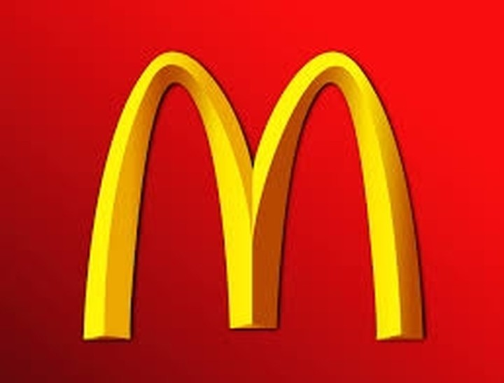McDonald΄s: Σταματά την εισαγωγή και πώληση προϊόντων από κοτόπουλο από Κίνα