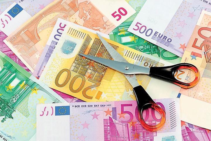 Ιδού οι μισθοί των Ελλήνων: Πόσοι παίρνουν έως 500 ευρώ και πόσοι πάνω από …10.000 ευρώ