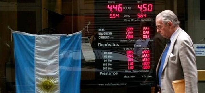 Ελπίδες για συμφωνία με κερδοσκοπικά ταμεία και διεθνείς τράπεζες για το χρέος της Αργεντινής