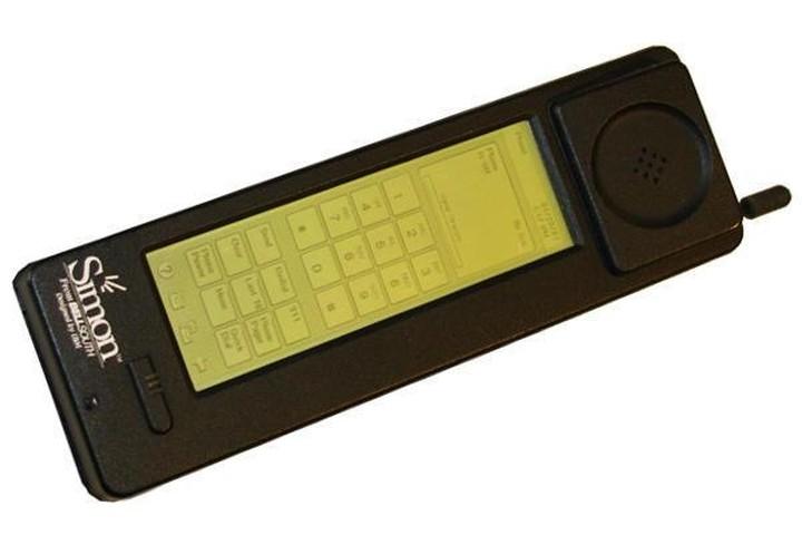 Το πρώτο «έξυπνο» κινητό τηλέφωνο έγινε 20 ετών!