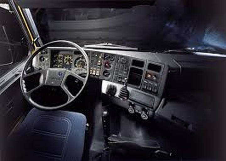 «Έξυπνα» φορτηγά που οδηγούν... μόνα τους