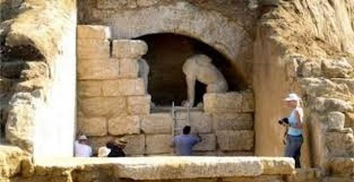 Νέα στοιχεία από τις ανασκαφές στον Τύμβο Καστά στην Αμφίπολη