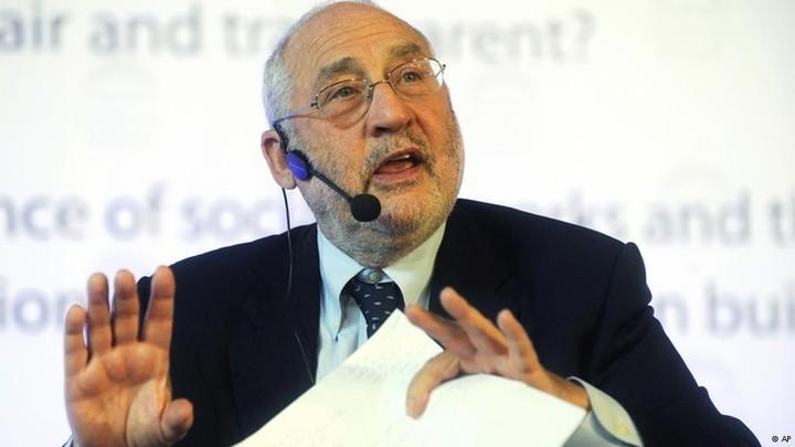 «Η Eυρωζώνη απειλείται από μακροχρόνια ύφεση, που μπροστά της θα ωχριούν ...»