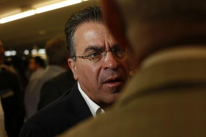 Ντινόπουλος: Χωρίς ψηφοφόρους είμαστε όλοι αδειανά πουκάμισα