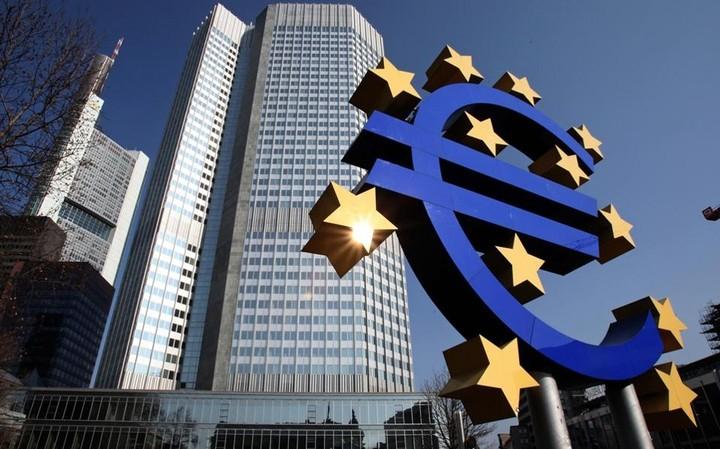 Πώς ο Ντράγκι ανοίγει το δρόμο για να δοθούν νέα στεγαστικά δάνεια στην Ελλάδα