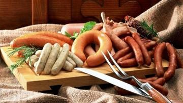 Μείωση εισοδήματος και αλογίσιο κρέας έπληξαν τον κλάδο των αλλαντικών
