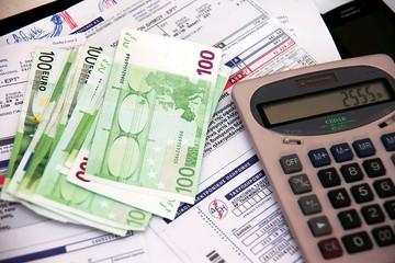 To 2015 φέρνει αυξήσεις φόρου ακόμη και 30% -Δείτε για ποιους (αναλυτικά παραδείγματα)