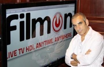 Ο Έλληνας δισεκατομμυριούχος που κάνει άνω-κάτω την τηλεοπτική βιομηχανία των ΗΠΑ