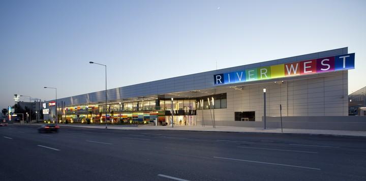 Το νέο εμπορικό κέντρο του Στασινόπουλου και η συνεργασία με Σκλαβενίτη