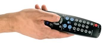 Ξεσπά η μάχη της «φορητής» συνδρομητικής τηλεόρασης – Τι ετοιμάζουν OTE και FORTHnet