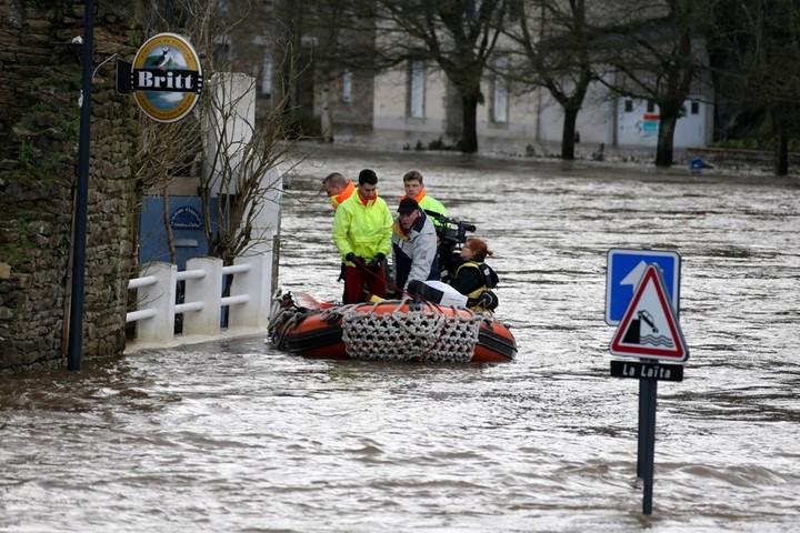 Πλημμύρες στην Ιταλία, τραυματίες και εκκενώσεις περιοχών
