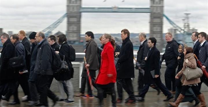 Βρετανία: Οι μετανάστες από την ΕΕ έχουν αποφέρει στη χώρα 20 δισ. λίρες