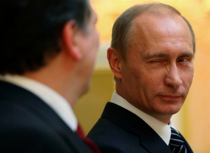 WSJ: Ερευνα για ξέπλυμα χρήματος στον στενό κύκλο του Πούτιν