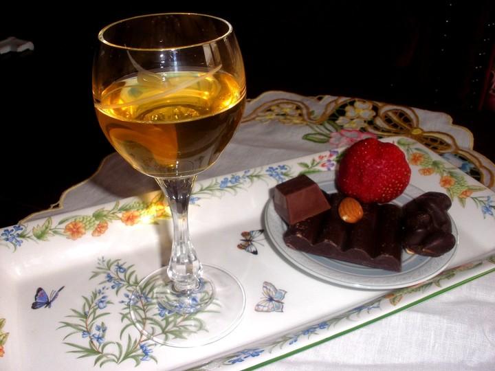 Ποτό στο σπίτι, και περιορισμένα αλκοολούχα για τους Ελληνες