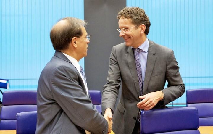 «Ενισχυμένη γραμμή πίστωσης» στηρίζει το Eurogroup για την Ελλάδα