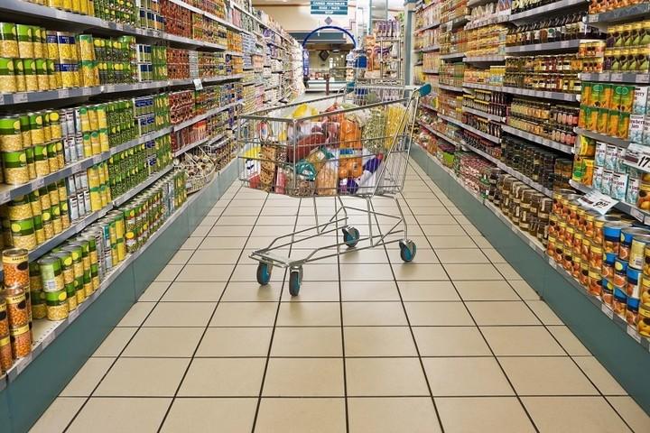 Συλλογή...καταστημάτων από τις μεγάλες αλυσίδες σουπερμαρκετ - Τα 240 νέα καταστήματα των τριών ισχυρών
