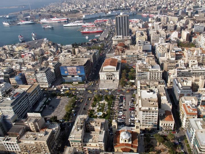 Απαλλαγή από τα δημοτικά τέλη σε δημότες με χαμηλά εισοδήματα αποφάσισε ο Πειραιάς