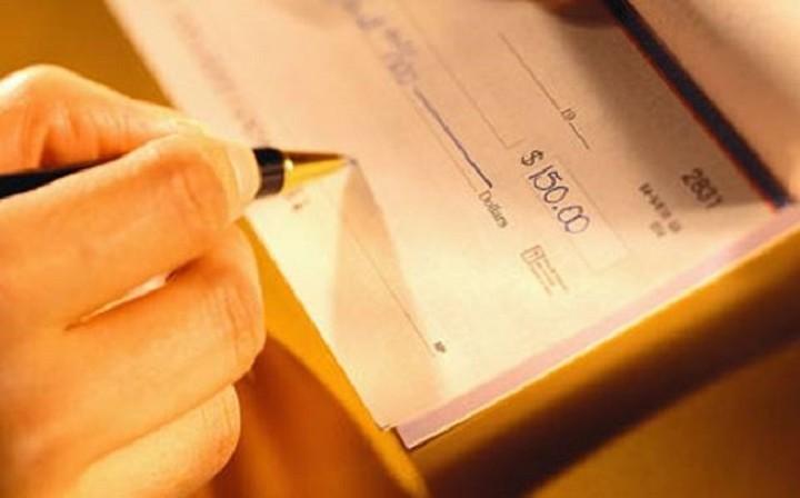 """ΤΕΙΡΕΣΙΑΣ: Στα 329,754 εκατ. ευρώ τα """"φέσια"""" από ακάλυπτες επιταγές"""