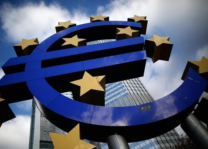 """DW: """"Ενισχύεται η ανάπτυξη στην Ευρωζώνη"""""""